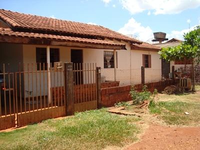 Vende-uma casa no Bairro Nossa Senhora Aparecida