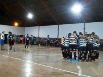 Times disputam a competição no ginásio de Vila Vargas (foto: Divulgação)
