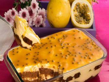 Pavê com bolo de chocolate e mousse de maracujá - Foto: Receita do Dia