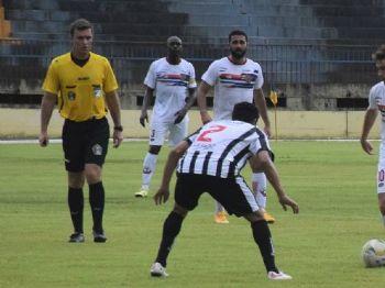 Primeiro jogo entre as equipes terminou empatado em um gol - Foto: Noé Faria