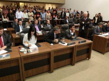 Servidores públicos pressionam deputados contra a reforma. Foto: Victor Chileno