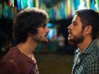 Ruy (Fiuk) e Zeca (Marco Pigossi) em 'A Força do Querer' - Foto: Globo/Estevam Avellar