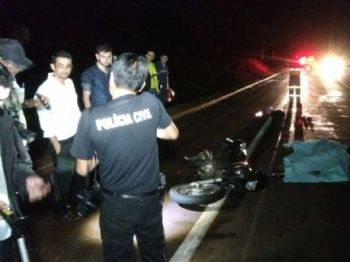 Acidente ocorreu no início da noite deste sábado - Foto: Osvaldo Duarte