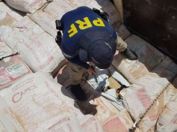 Droga que saiu do MS foi apreendida pela PRF no Paraná. - Foto: Divulgação