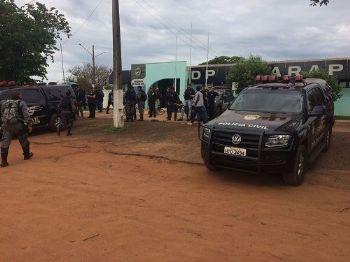 Policiais preparam saída para operação Caarapó I, nas fazendas Novilho 1, 2 e Gauchinha - Foto: Divulgação/Sejusp