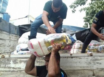 As cestas básicas, os kit dormitórios e as mantas foram distibuídos na tarde de ontem - Foto: Divulgação